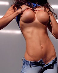 Jessica Jaymes shows off her superwoman body