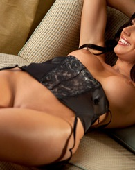 Rebecca Lynn posing nude