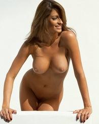 Kaitlynn Cole poses nude